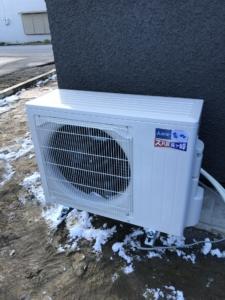 エアコン取付。