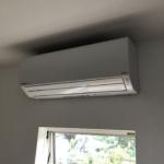 エアコン設置工事。